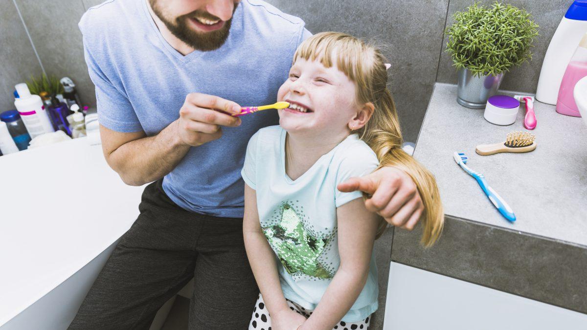 Jak zachęcić dziecko do mycia zębów? Mamy na to sposób!